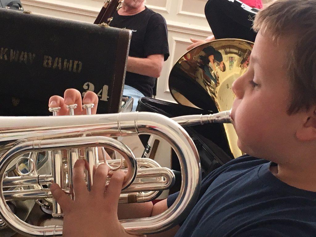 boy-blowing-horn-16-1024x768